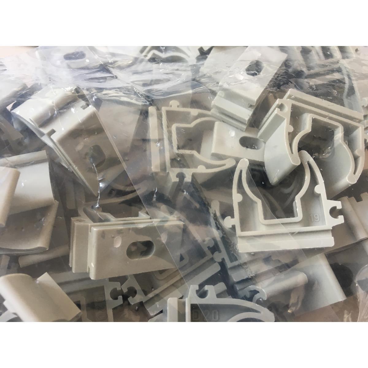 50x Doppel oder Einfach Rohrclip Rohrklemme Rohrhalter Clipser Rohrschelle